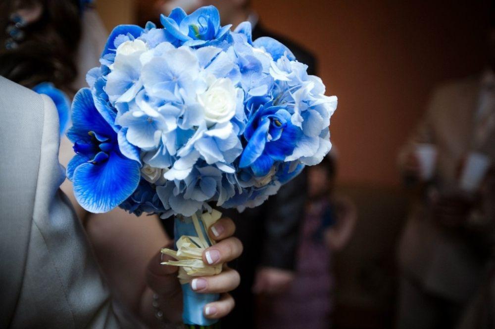 Свадебные букеты в синих тонах фото
