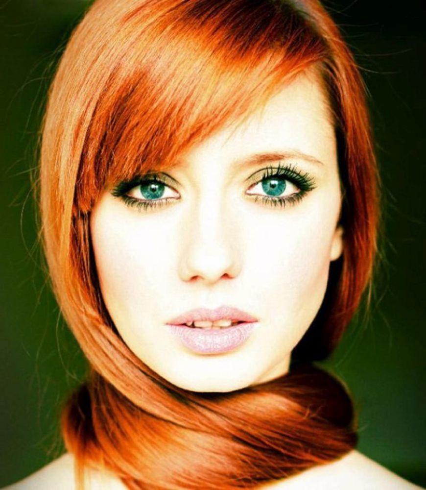 Макияж для серо голубых глаз с рыжими волосами