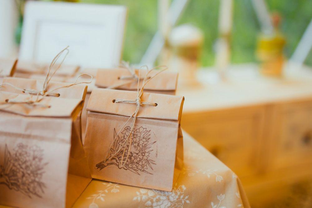 Упаковка для подарка на свадьбу гостям 77